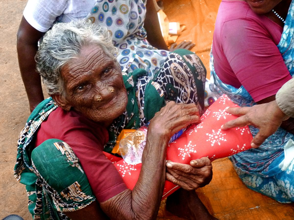 Blankets received by flood victims